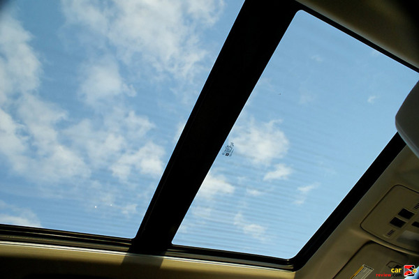 Cadillac SRX UltraView Sunroof