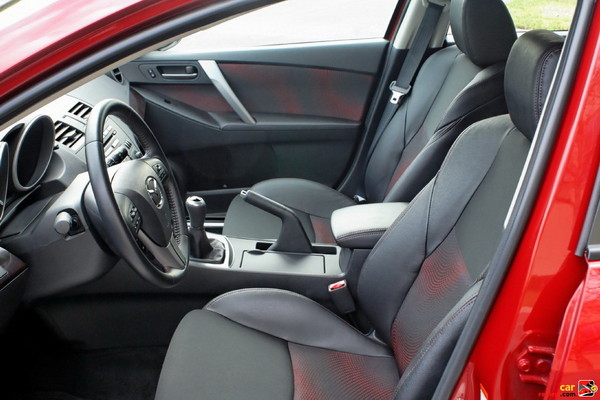 Leather and cloth-trimmed Mazdaspeed sport seats