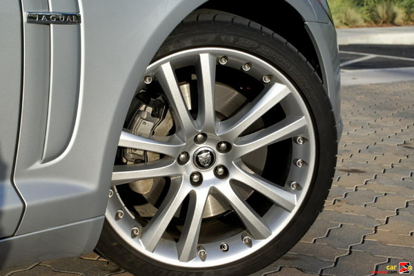 19 inch Auriga alloy wheels