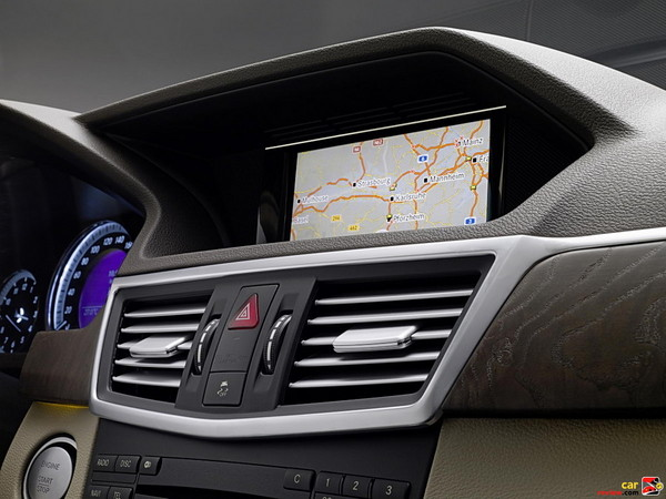 Mercedes-Benz E350 COMAND System