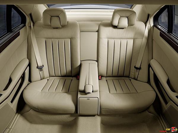 60/40 split rear seatbacks
