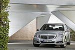 2010_Mercedes_E350_T15.JPG
