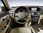 2010_Mercedes_E350_T24.JPG