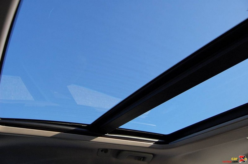Optional UltraView Sunroof