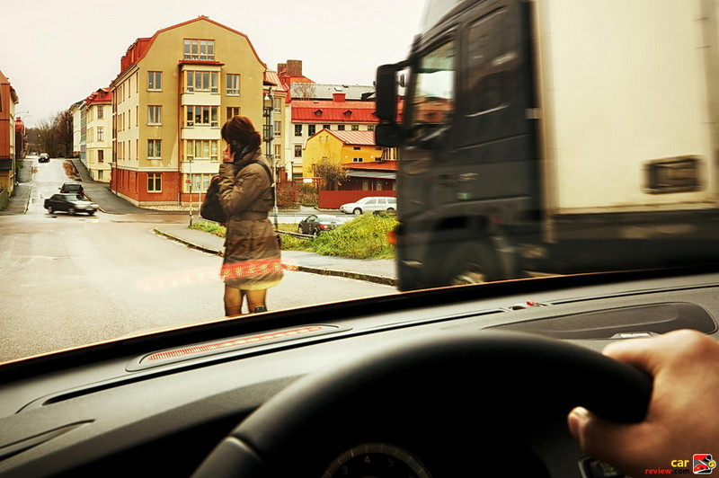2011 Volvo S60 pedestrian warning system