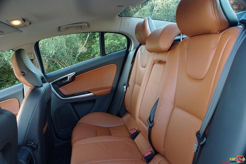 60/40 Split  2nd-Row Seat