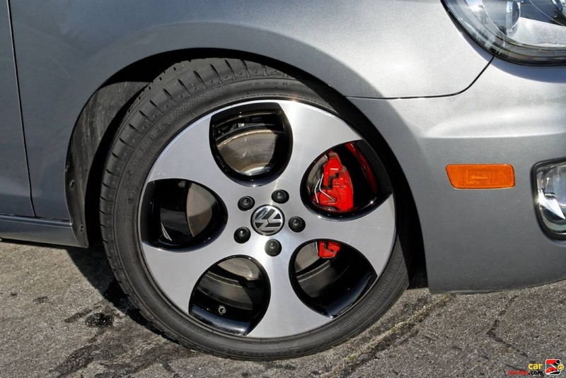 17 inchalloy wheels and red painted brake calipers