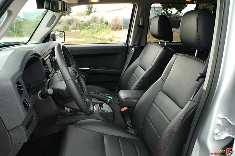 Jeep Commander front seating