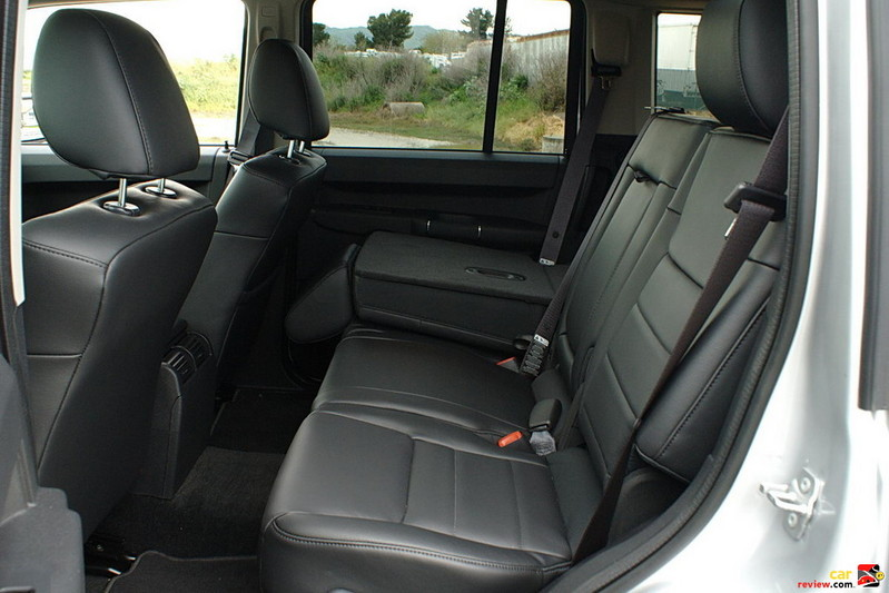 Jeep Commander 2nd row seating