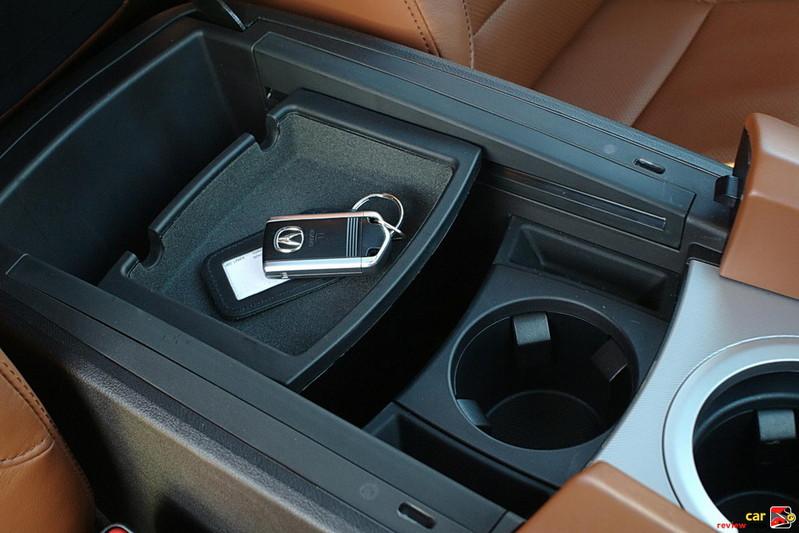 Acura ZDX center armrest/storage bin