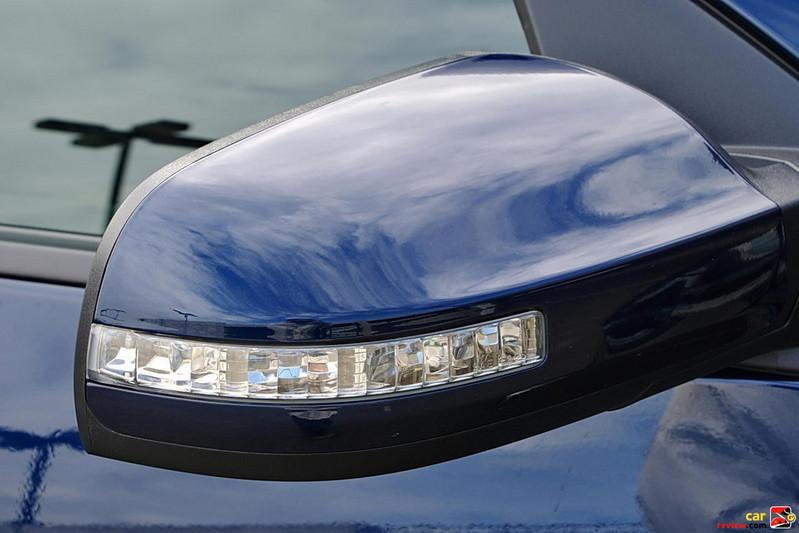Folding outside mirrors with LED turn signal indicators
