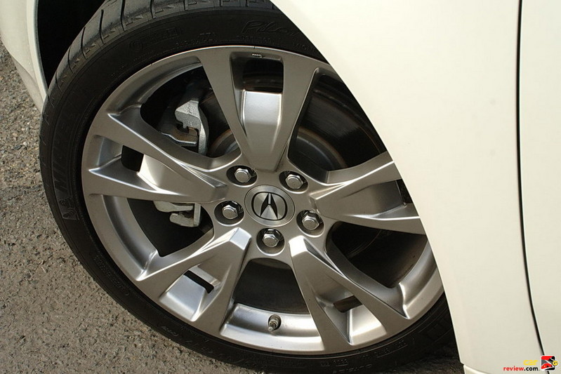 19 inch aluminum alloy wheels