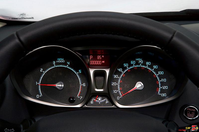 2011 Ford Fiesta gauge cluster