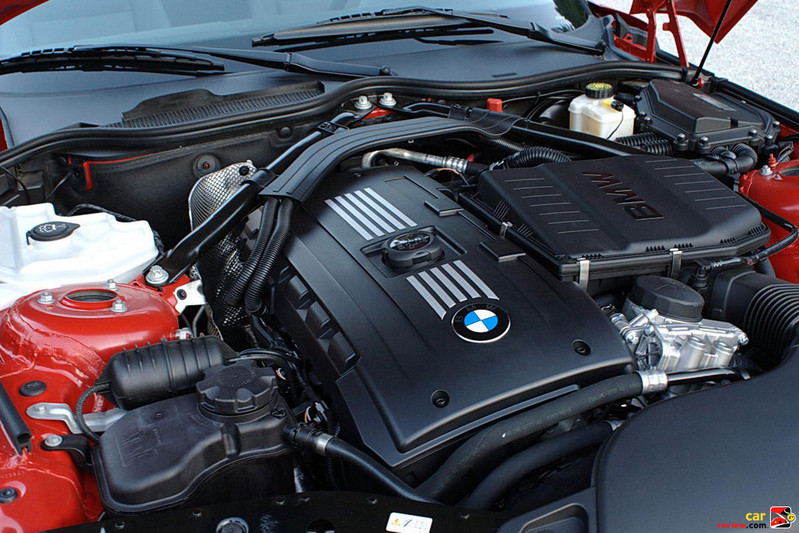 335 hp 3.0L direct-injection twin-turbo I6 engine
