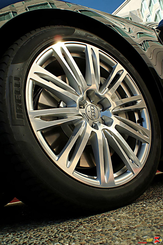20 inch aluminum alloy wheels and tires