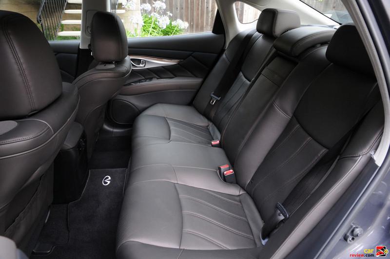 Infiniti M back seats
