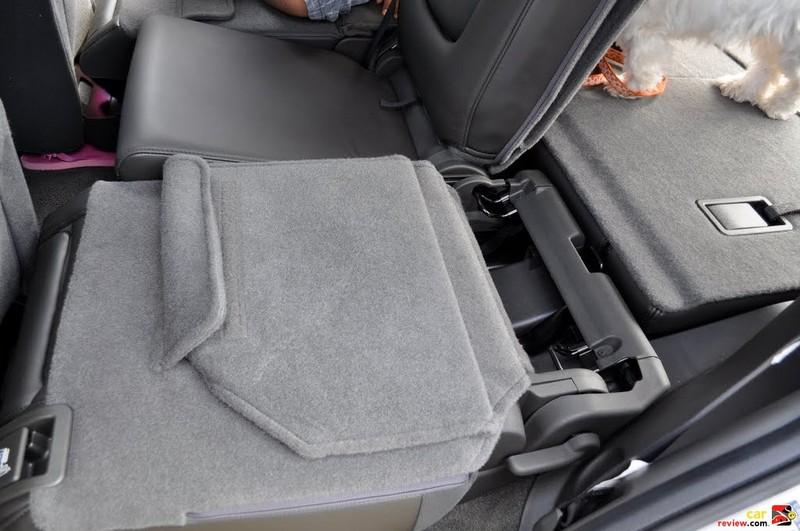 60/40 split folding 2nd row seats