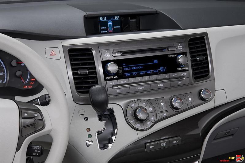 2011 Toyota Sienna dashboard