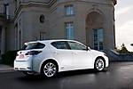 2011_Lexus_CT_200h_001.jpg