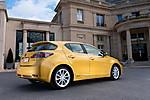 2011_Lexus_CT_200h_004.jpg