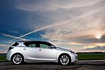 2011_Lexus_CT_200h_008.jpg