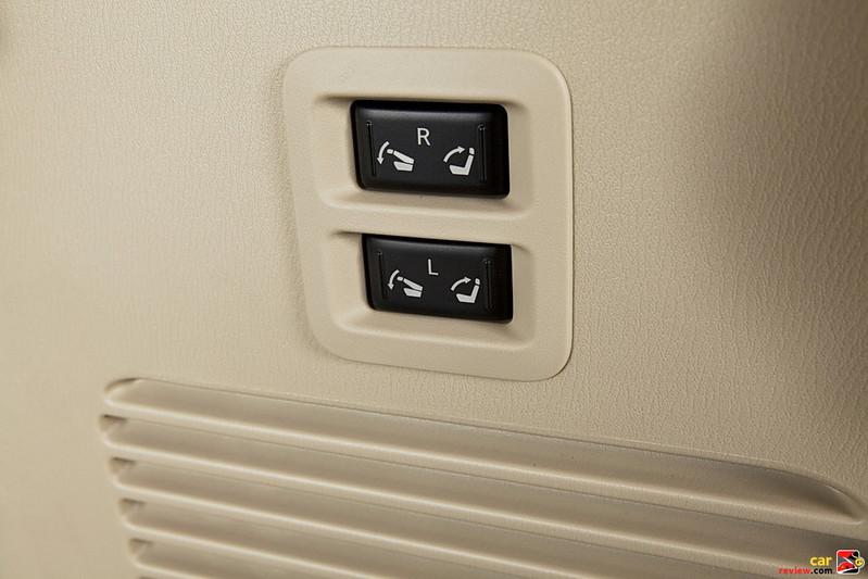 Power 60/40-split fold-flat and reclining third-row seats