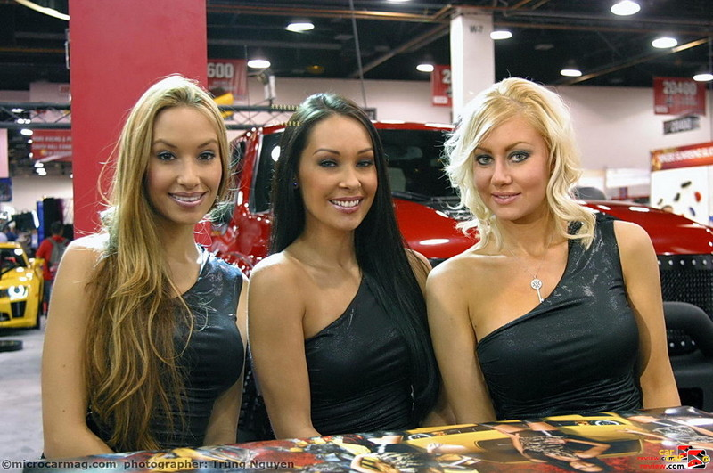 SEMA 2010 Booth Babes