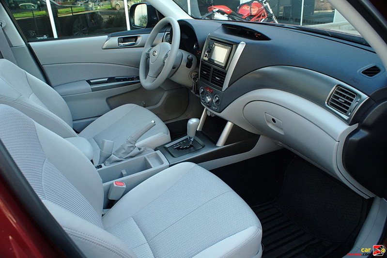 Heated front seats w/cloth upholstery