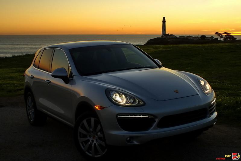 Bi-Xenon Headlights with Porsche Dynamic Light System (PDLS)