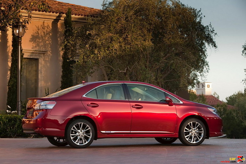 Lexus HS 250h in Matador Red Mica paint