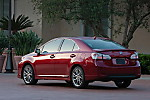 2011_Lexus_HS_250h_13.jpg