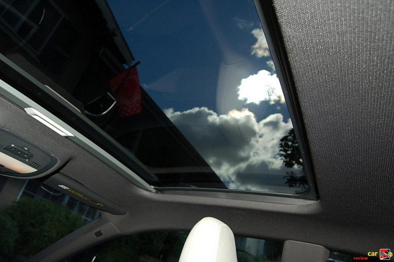 Tilting Glass Panorama Sunroof