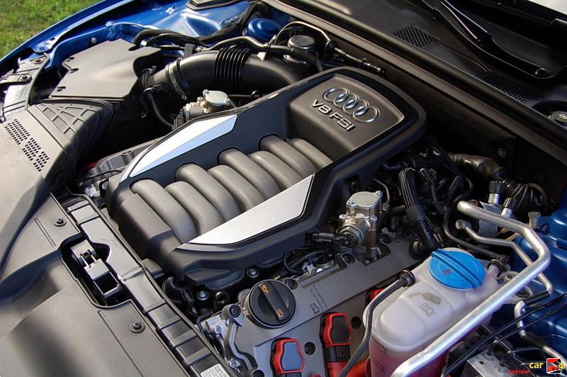 4.2 liter FSI V8 Engine
