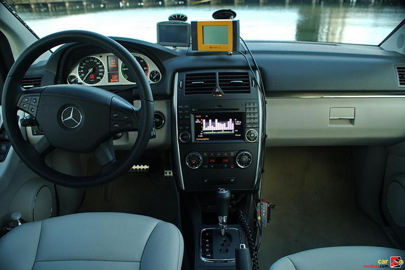 Mercedes-Benz B-Class F-CELL interior