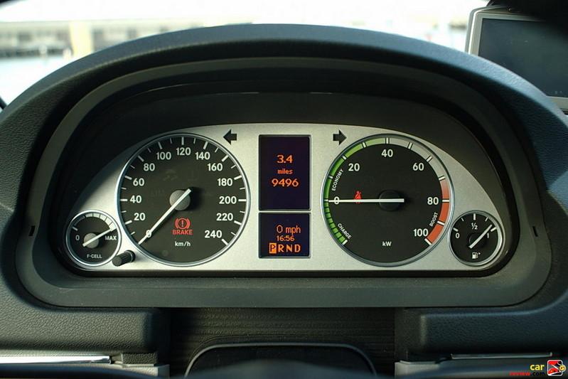 Mercedes-Benz B-Class F-CELL instrument pod