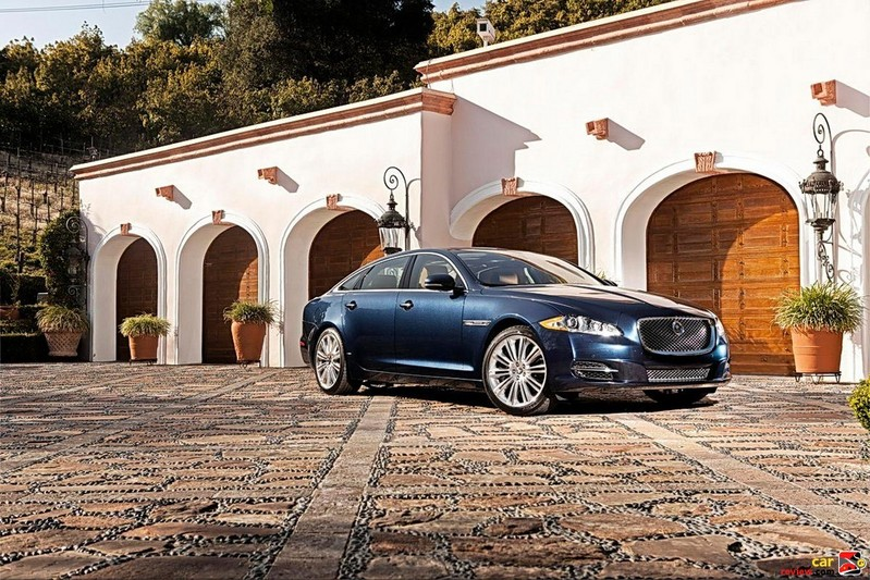 2011 Jaguar XJ has an aluminum bodyshell and chassis
