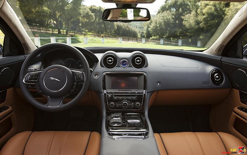 2011 Jaguar XJ Interior