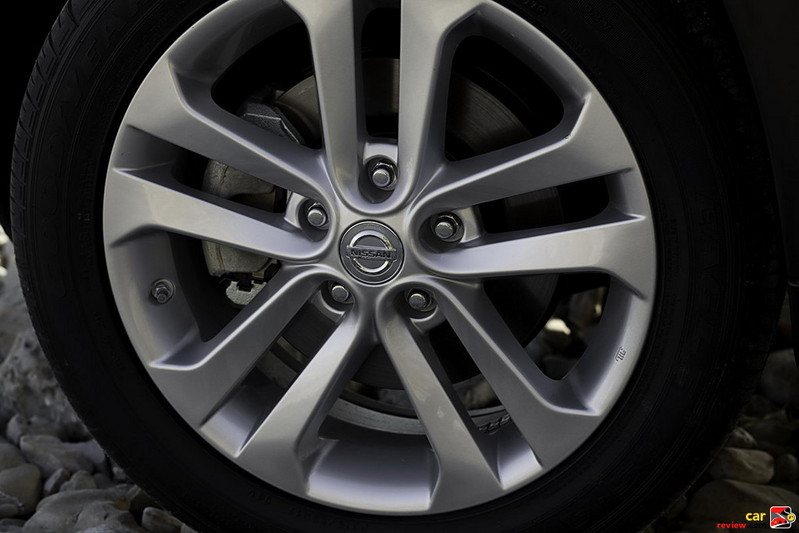 "17"" x 7"" 5-split spoke gunmetal aluminum-alloy wheels"