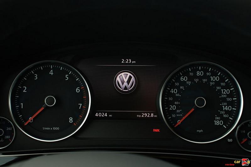 2011 Volkswagen Touareg Instrument Pod