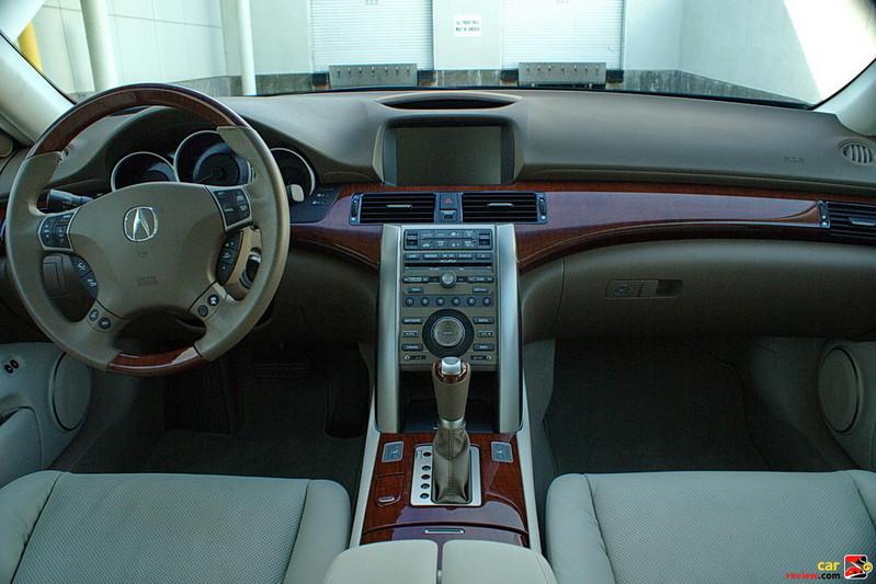 2011 Acura RL interior