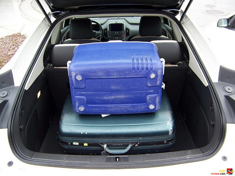 Chevrolet Volt cargo capacity demonstration