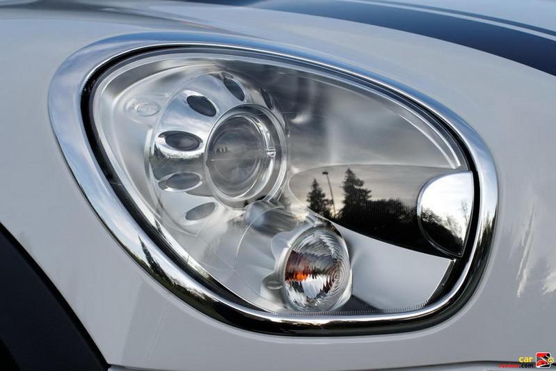 Auto-leveling, adaptive Xenon headlamps
